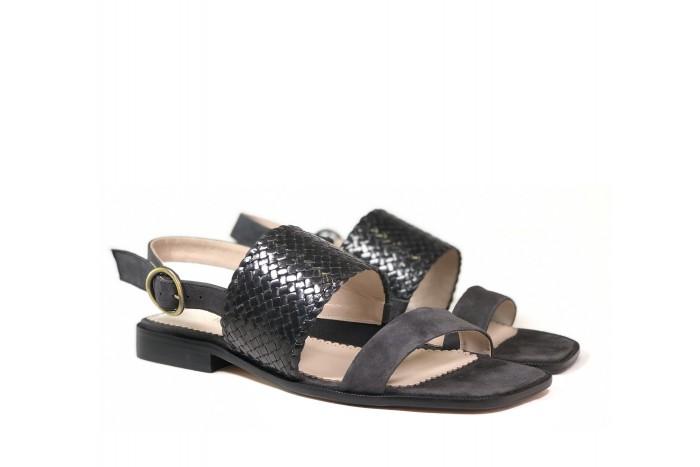 Vera Ferro estilosa sandalia