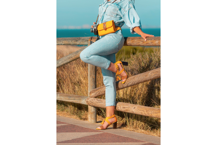 Valeria Maiz sandalia con borlas
