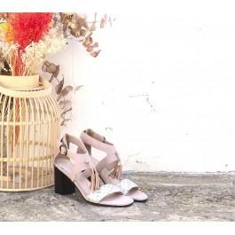 Valeria Pastel sandalia con borlas