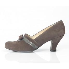 Lucía Gris zapato vintage con lazo