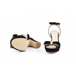 Julieta Negro sandalia con lazo