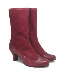Natalia Yecla botas altas