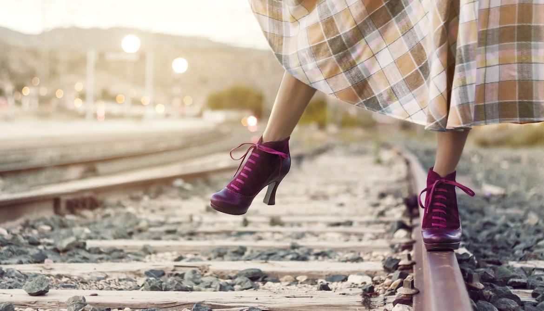 botines en via del tren